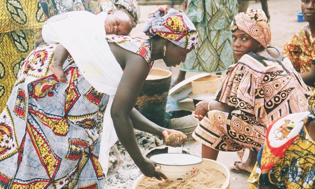 waterleiding en landbouw - 45 vrouwen zorgen voor gezonde en afwisselende voeding