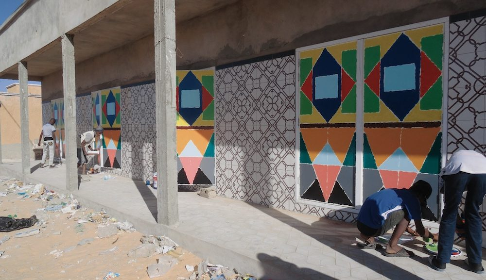 Centre Commercial - deuren schilderen Dove jongeren designopleiding